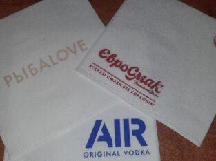 Салфетки и крафтовые пакеты «саше» от производителя с логотипом Вашей компании