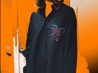 Черная хлопковая рубашка расписанная акрилом
