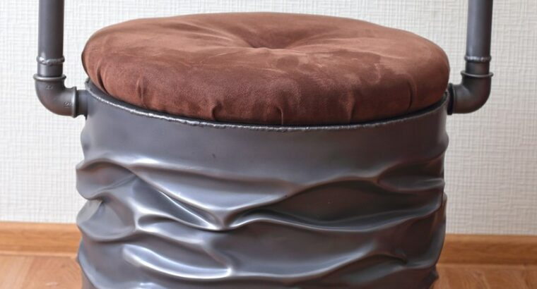 Продам дизайнерские Кресла из металла.