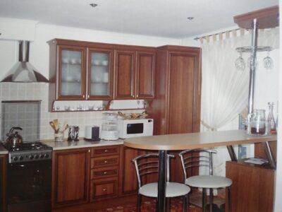 Продаю 2-х кімнатну квартиру