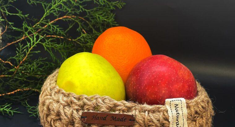 Плетенная корзинка для фруктов/ванной/клубков ниток