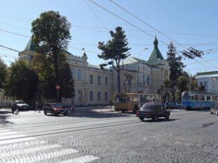 Зніму окрему кімнату район зупинки «Максимовича» до 1км