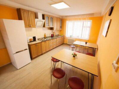 Общежитие возле метро Дворец Украина
