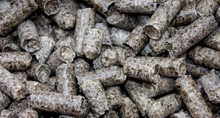 Жом гранулированный свекольный и древесные гранулы
