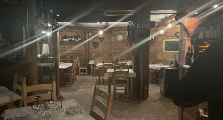 Требуются официанты и повара для работы в Италии